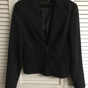 DALIA ladies jacket size 2